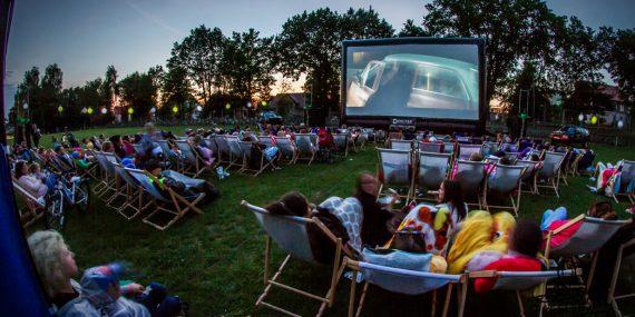Plenerowe pokazy kina letniego w Bogatyni